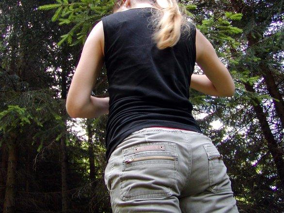 slabire la fund cu pantaloni de slabit