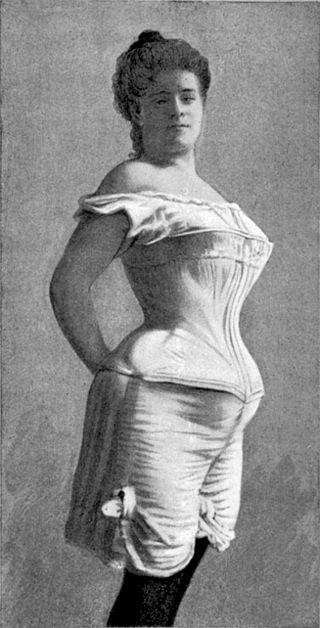 modele de corsete din vechime